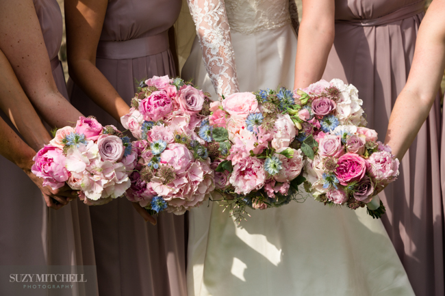 Beautiul styling ideas and luxe marquee florals, image credit Suzy Mitchell Photography (14)
