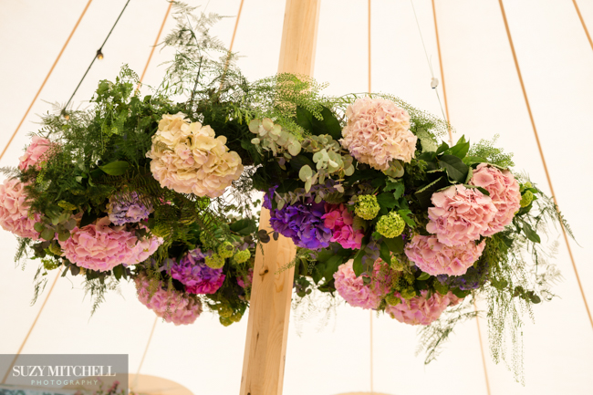 Beautiul styling ideas and luxe marquee florals, image credit Suzy Mitchell Photography (19)