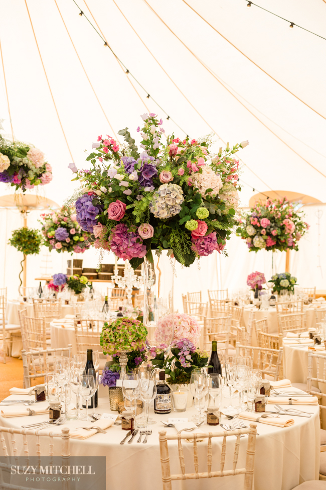 Beautiul styling ideas and luxe marquee florals, image credit Suzy Mitchell Photography (22)