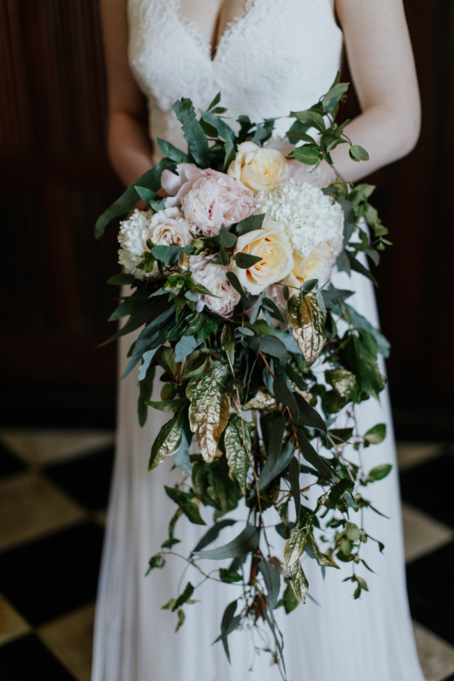 Elegant and classy ideas for a mansion wedding in Devon, images by Tara Statton Photography (33)