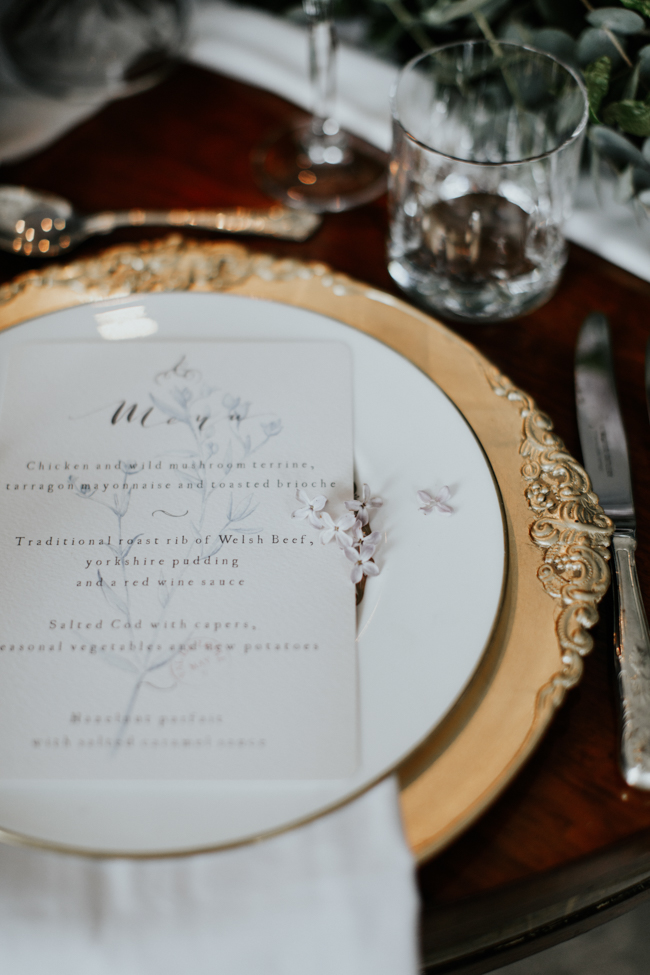 Elegant and classy ideas for a mansion wedding in Devon, images by Tara Statton Photography (5)