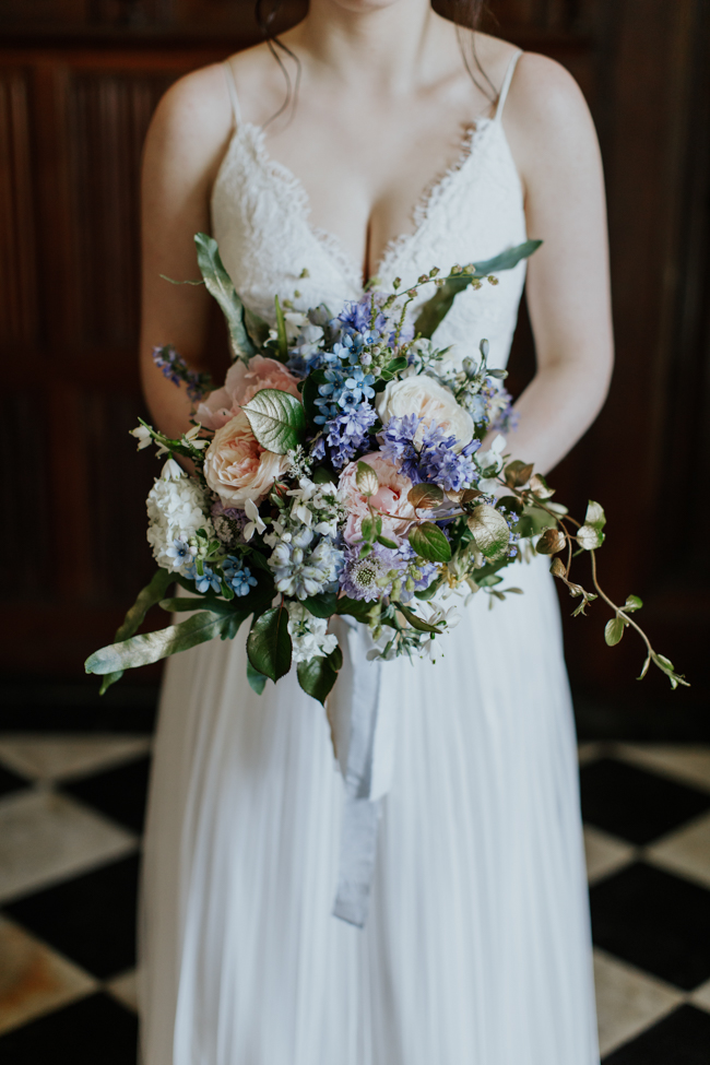 Elegant and classy ideas for a mansion wedding in Devon, images by Tara Statton Photography (34)