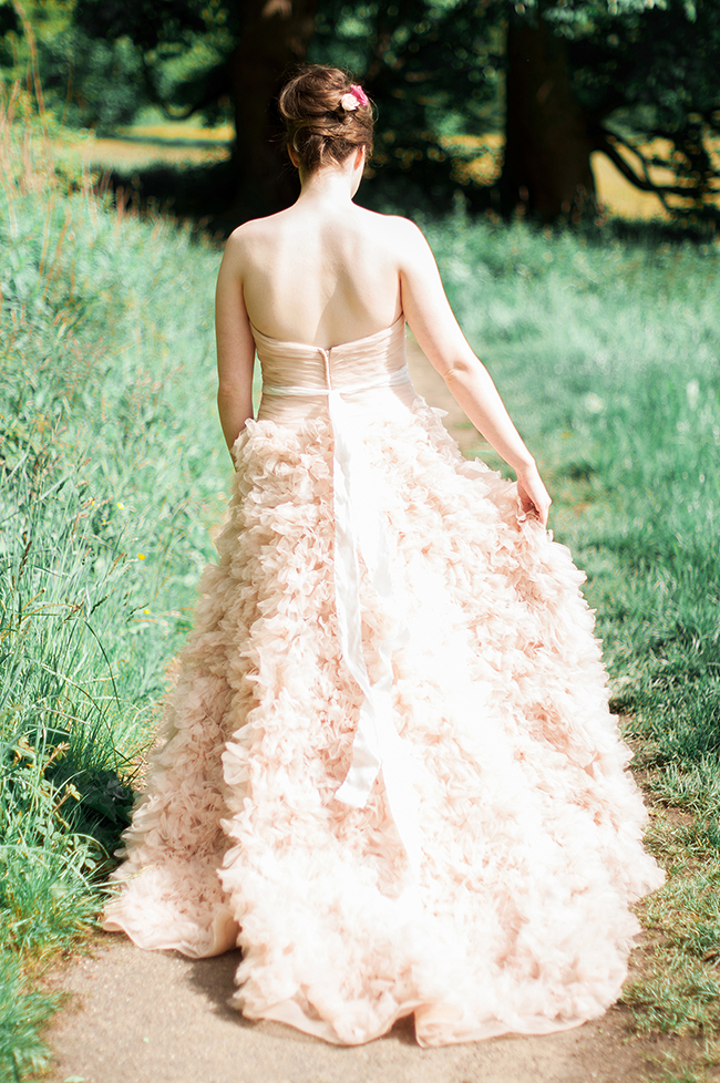 English countryside wedding inspiration with By Moon And Tide, photo credit Catharine Noble Photography (18)