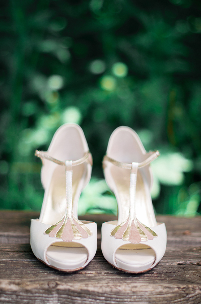 English countryside wedding inspiration with By Moon And Tide, photo credit Catharine Noble Photography (2)