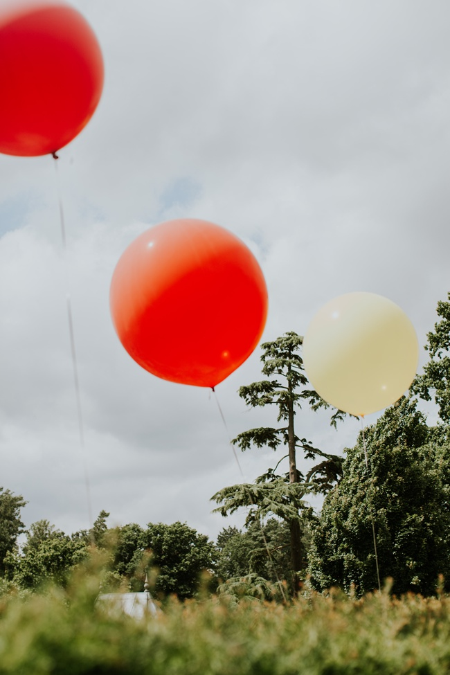 Campervan, balloons, dickie bows and elegance for an English summer wedding, with Craig Williams Photography (13)
