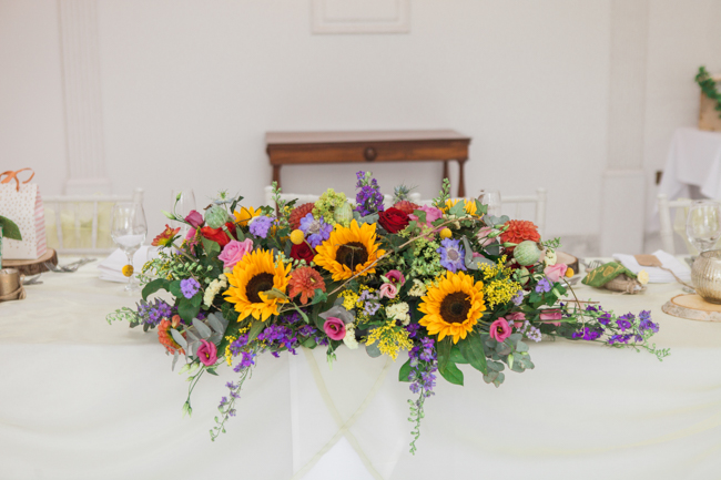 Sunflowers and colourful summer styling for a Lemore House wedding with Amanda karen Photography (21)