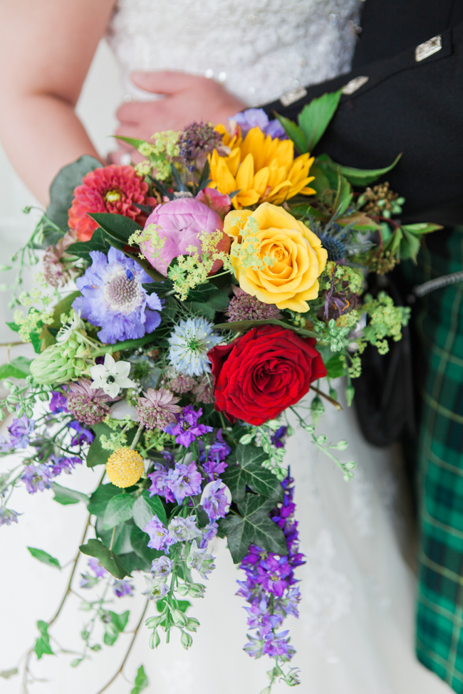 Sunflowers and colourful summer styling for a Lemore House wedding with Amanda karen Photography (28)