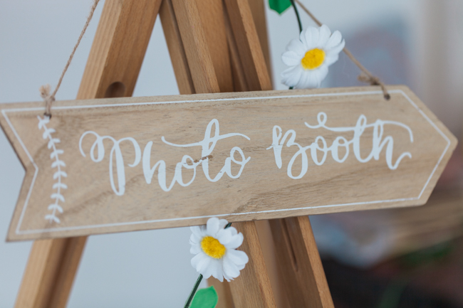 Sunflowers and colourful summer styling for a Lemore House wedding with Amanda karen Photography (37)