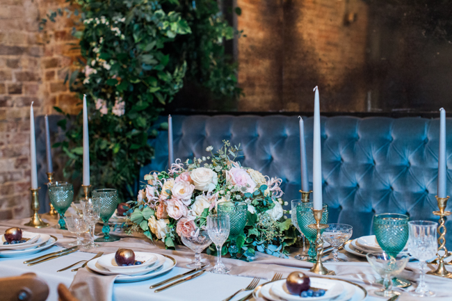 Chic modern wedding styling in London, images by Amanda Karen Photography (35)