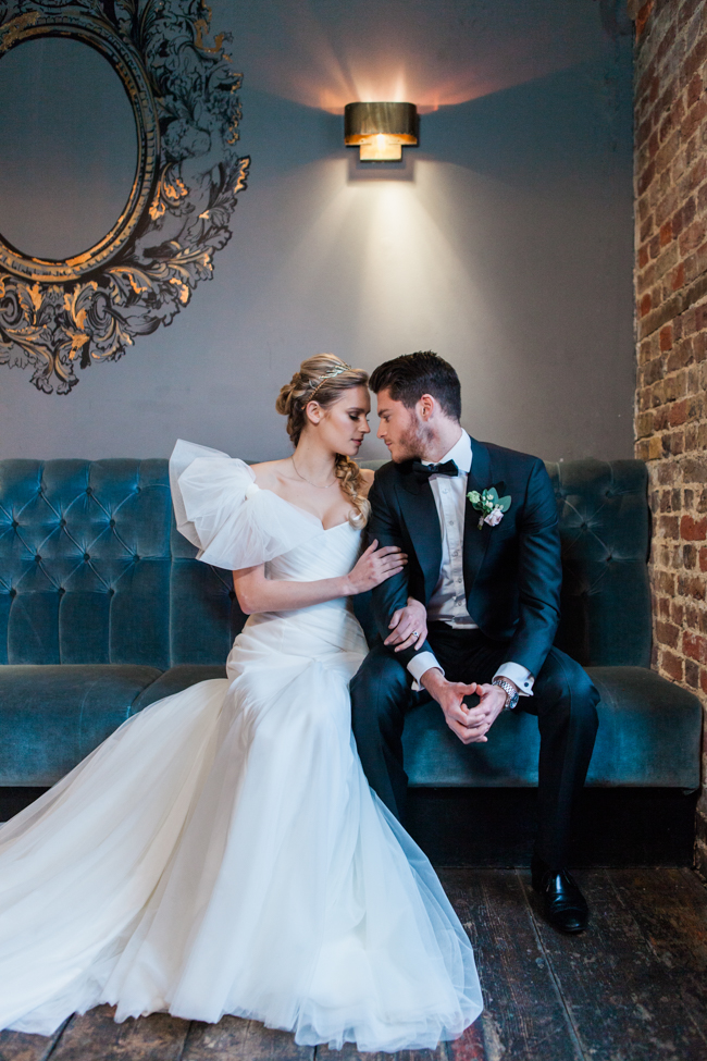 Chic modern wedding styling in London, images by Amanda Karen Photography (14)