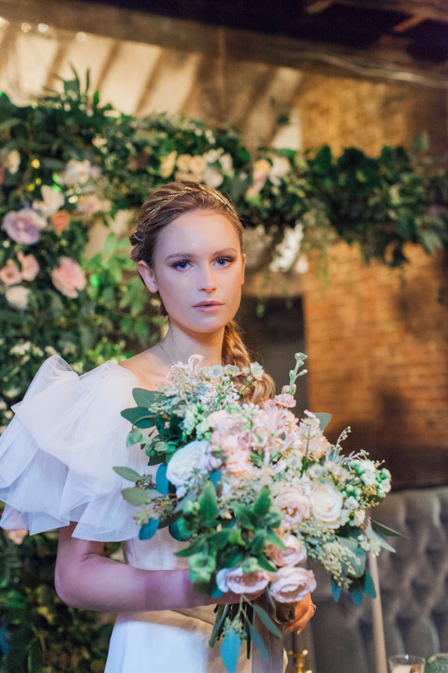 Chic modern wedding styling in London, images by Amanda Karen Photography (24)
