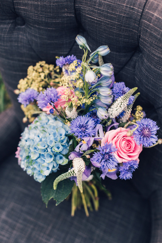Glorious bouquet and styling for an English Country Garden wedding, images by Unwerth Photography (5)