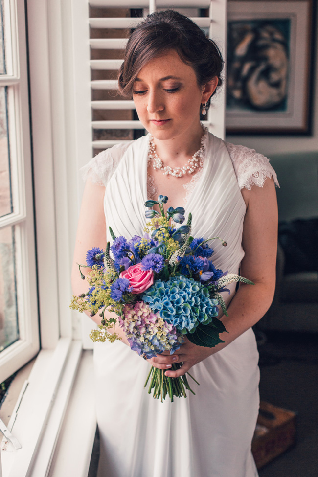 Glorious bouquet and styling for an English Country Garden wedding, images by Unwerth Photography (7)