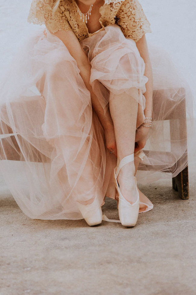 Modern ballet; bridal inspiration with a gorgeous twist. Image credit Oxi Photography (10)