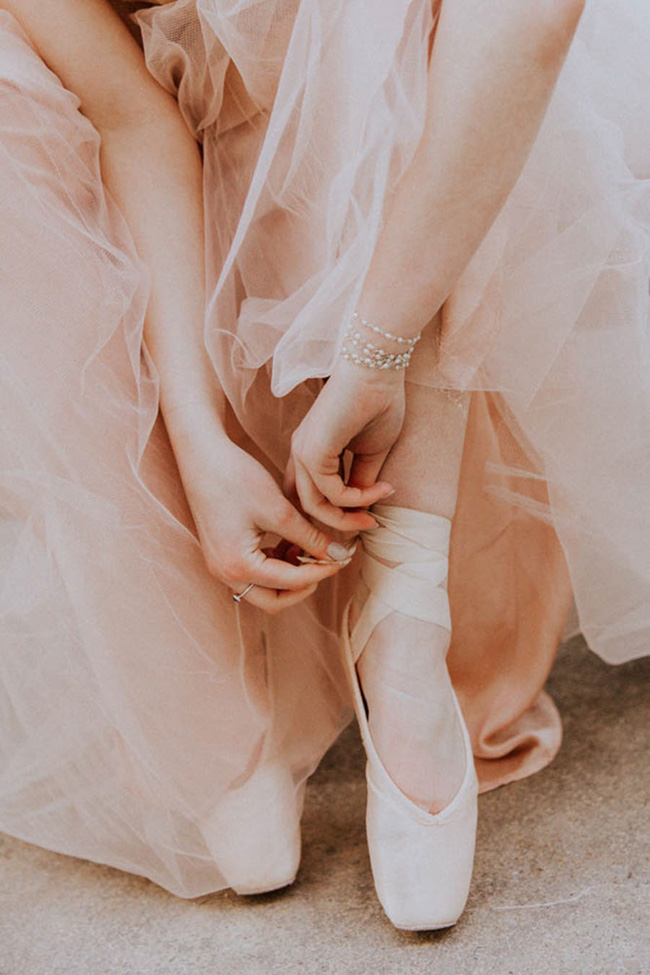 Modern ballet; bridal inspiration with a gorgeous twist. Image credit Oxi Photography (11)