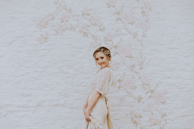OXI Photography's beautiful fine art wedding style for a shoot with Vintage Button accessories (13)
