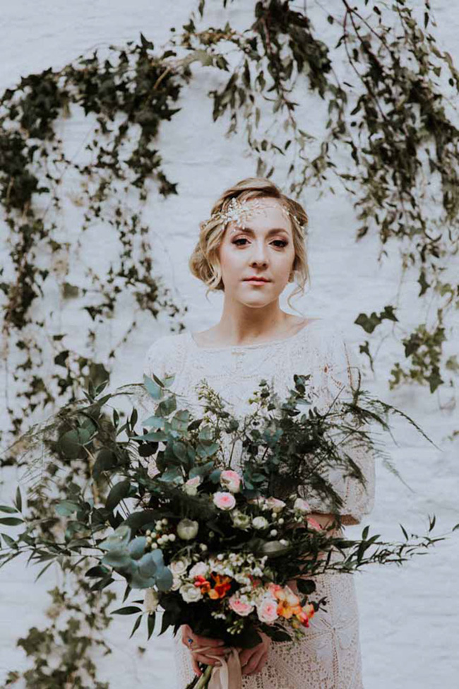OXI Photography's beautiful fine art wedding style for a shoot with Vintage Button accessories (28)
