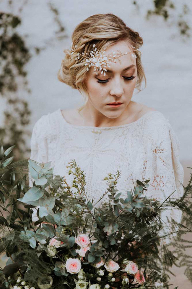 OXI Photography's beautiful fine art wedding style for a shoot with Vintage Button accessories (30)