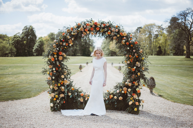 Understated luxury wedding styling in Hampshire by Jenna Hewitt, with Kitty Wheeler Shaw Photography (20)
