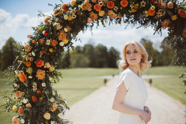 Understated luxury wedding styling in Hampshire by Jenna Hewitt, with Kitty Wheeler Shaw Photography (21)