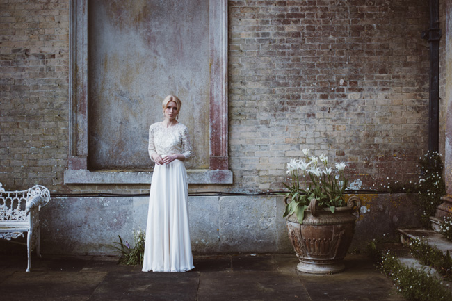 Understated luxury wedding styling in Hampshire by Jenna Hewitt, with Kitty Wheeler Shaw Photography (8)