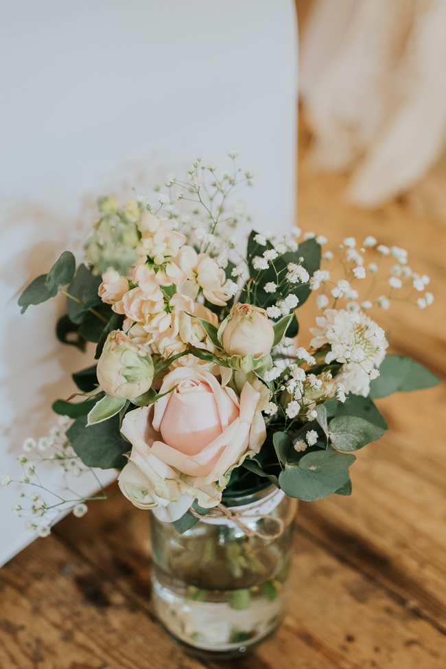 Romantic and simple styling for a traditional English wedding in Kent. Image by Michelle Cordner Photography (3)