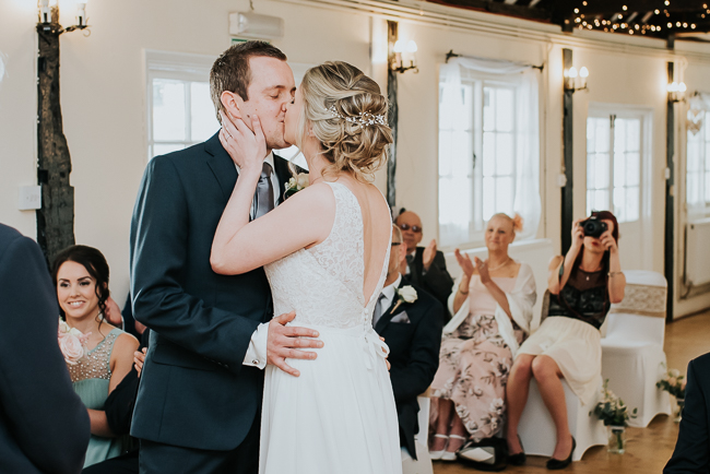 Romantic and simple styling for a traditional English wedding in Kent. Image by Michelle Cordner Photography (11)