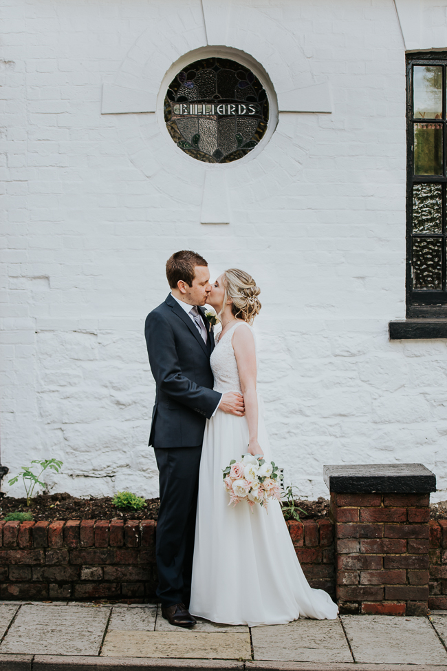 Romantic and simple styling for a traditional English wedding in Kent. Image by Michelle Cordner Photography (23)