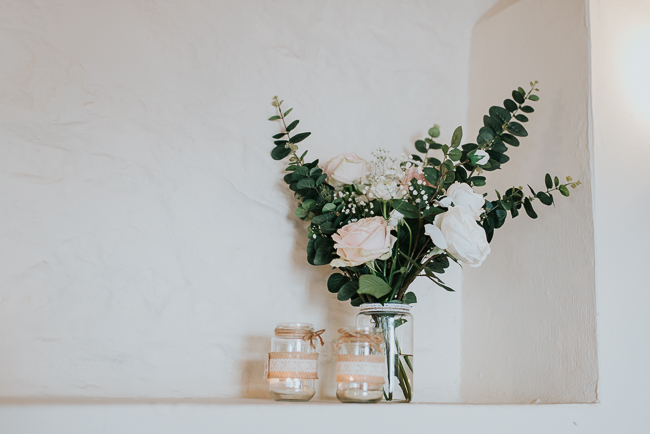 Romantic and simple styling for a traditional English wedding in Kent. Image by Michelle Cordner Photography (24)
