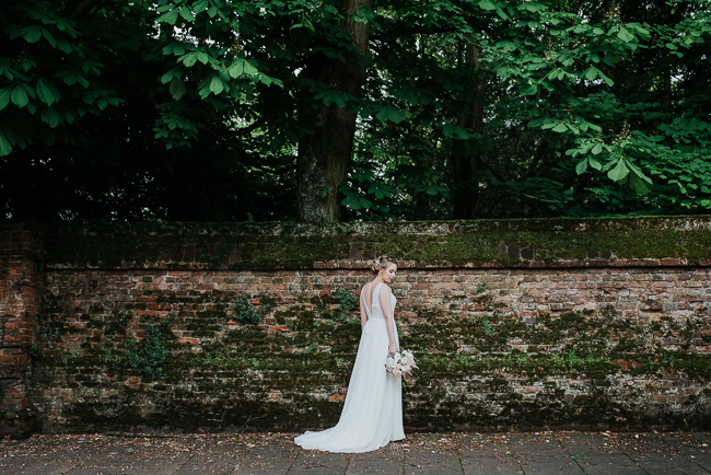 Romantic and simple styling for a traditional English wedding in Kent. Image by Michelle Cordner Photography (28)