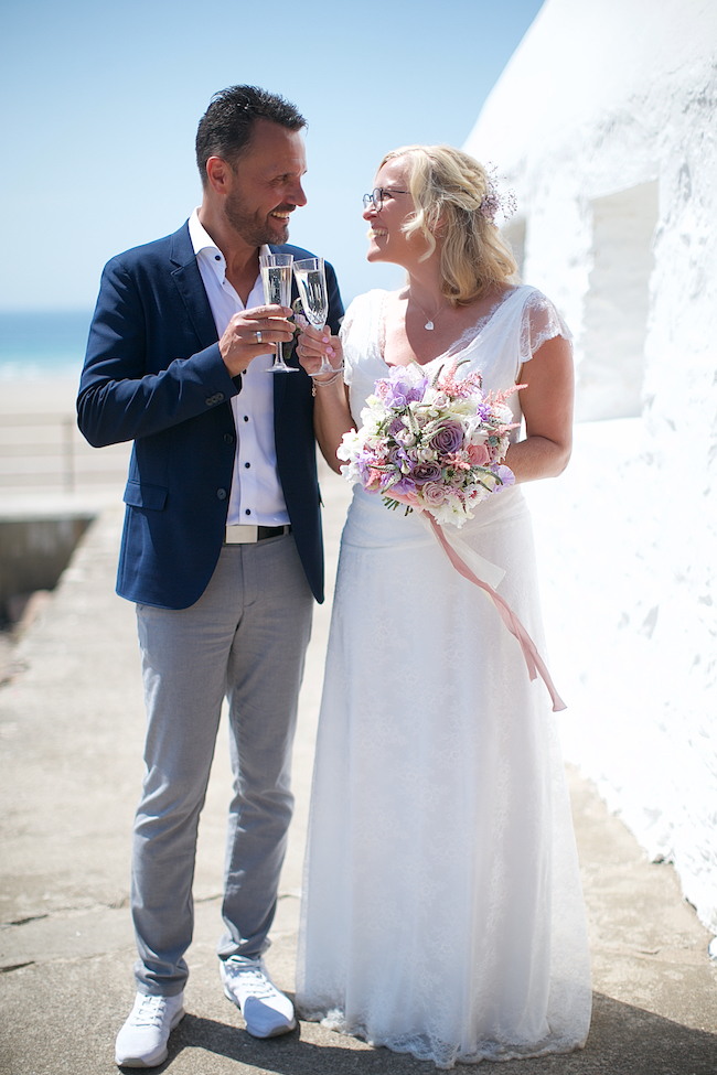 Sweetheart table and a stroll on the beach for Petra and Thomas's beach elopement, image by Dasa Wharton (25)