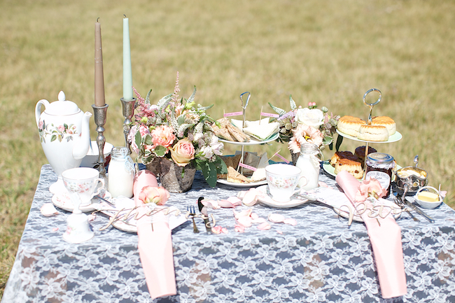 Sweetheart table and a stroll on the beach for Petra and Thomas's beach elopement, image by Dasa Wharton (21)
