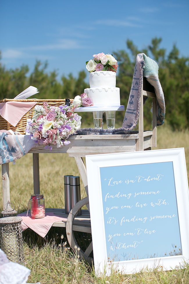 Sweetheart table and a stroll on the beach for Petra and Thomas's beach elopement, image by Dasa Wharton (20)