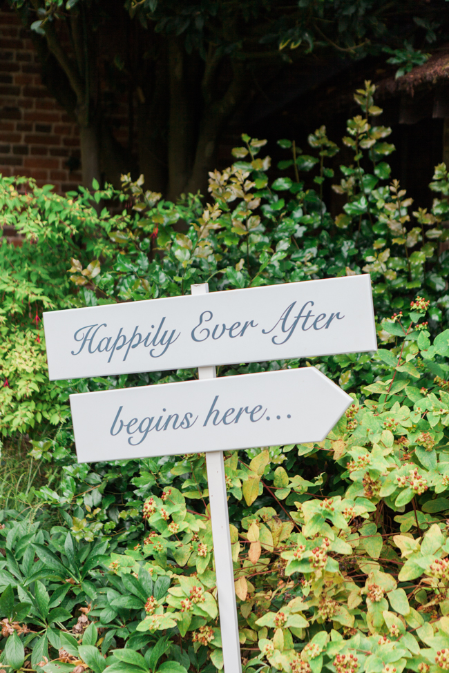 a beautiful fairytale wedding at Lainston with Amanda Karen Photography (23)