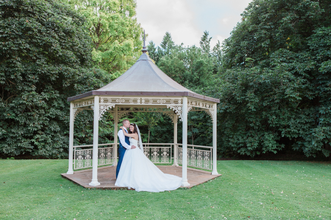 a beautiful fairytale wedding at Lainston with Amanda Karen Photography (37)