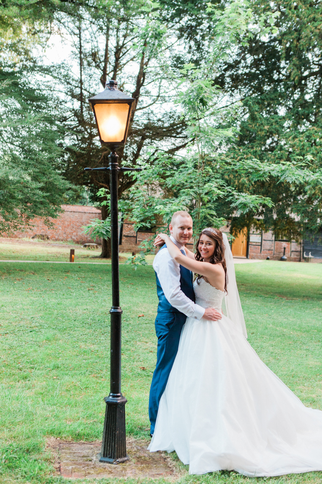 a beautiful fairytale wedding at Lainston with Amanda Karen Photography (38)