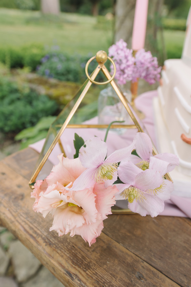 Wedding inspiration from West Dean Gardens in Sussex, with photography by Joanna Cleeve (19)