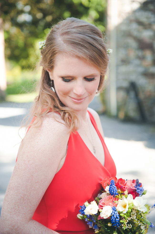 A beautiful bride in red, Cardiff wedding inspiration from Hannah Miles Photography (31)