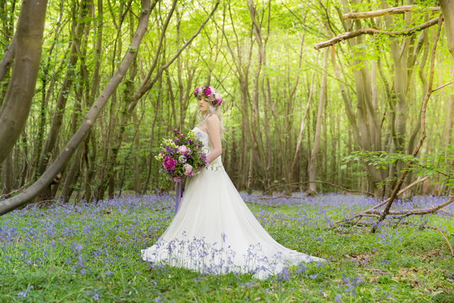 Woodland wedding inspo in Kent with Blue Daisies Florist and Your Beautiful Day. Image credit Helen England Photography (26)