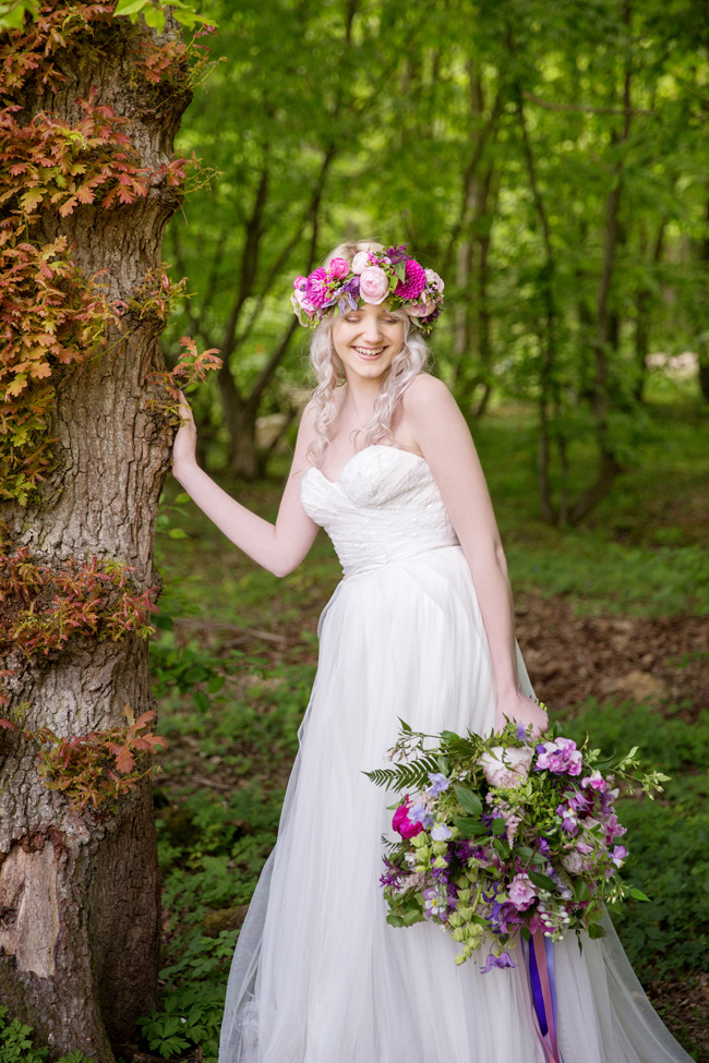 Woodland wedding inspo in Kent with Blue Daisies Florist and Your Beautiful Day. Image credit Helen England Photography (24)