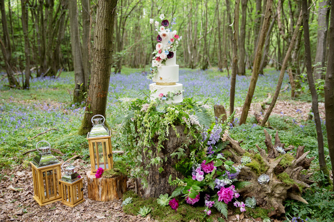 Woodland wedding inspo in Kent with Blue Daisies Florist and Your Beautiful Day. Image credit Helen England Photography (18)