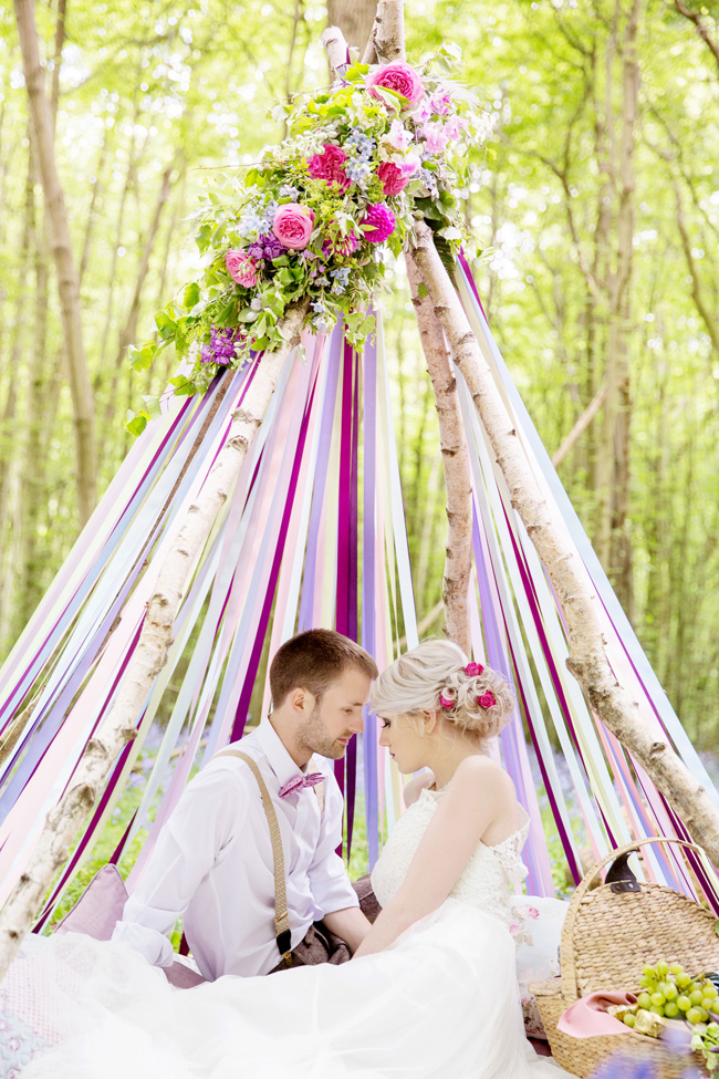 Woodland wedding inspo in Kent with Blue Daisies Florist and Your Beautiful Day. Image credit Helen England Photography (6)