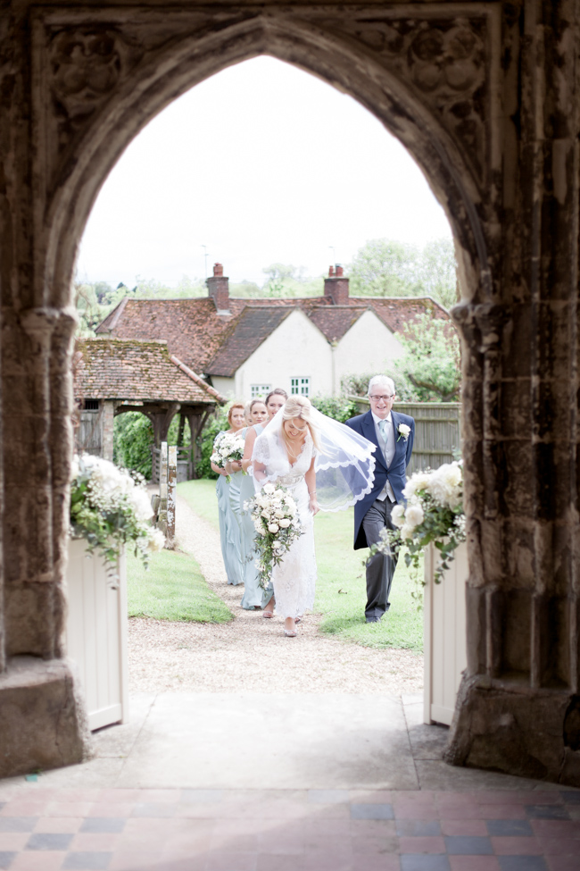White florals and green foliage for a fine art wedding in Leicestershire. Image by Helen Warner Photography (14)