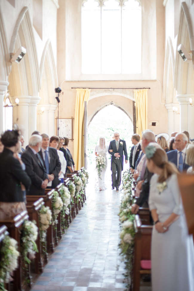 White florals and green foliage for a fine art wedding in Leicestershire. Image by Helen Warner Photography (15)