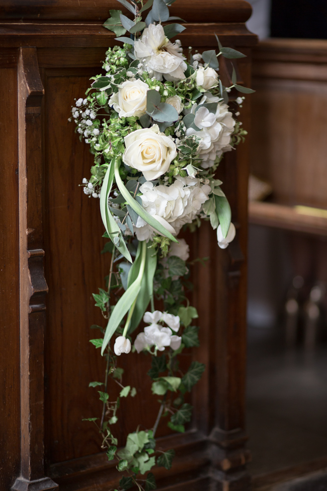 White florals and green foliage for a fine art wedding in Leicestershire. Image by Helen Warner Photography (19)