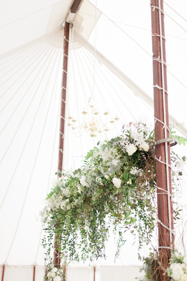 White florals and green foliage for a fine art wedding in Leicestershire. Image by Helen Warner Photography (32)
