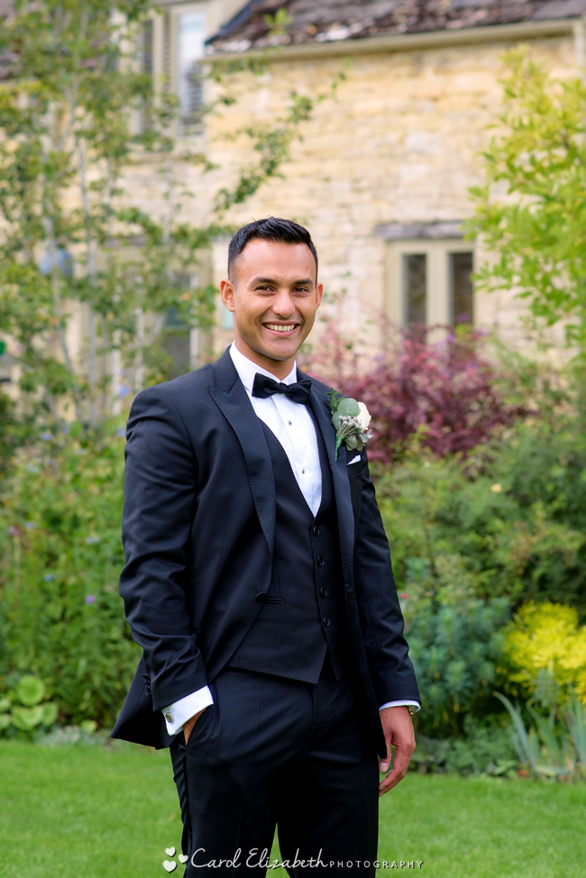 Wedding photographers for Caswell House in Oxfordshire: Carol Elizabeth Photography (7)