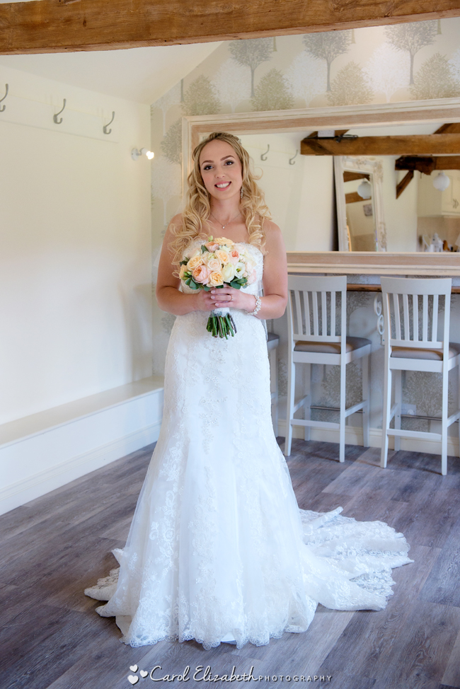 Wedding photographers for Caswell House in Oxfordshire: Carol Elizabeth Photography (11)