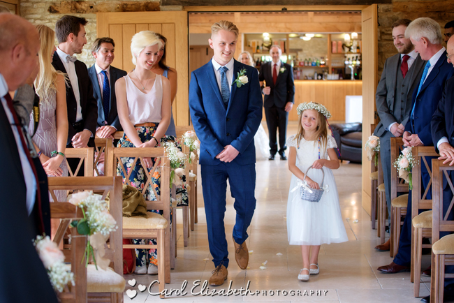 Wedding photographers for Caswell House in Oxfordshire: Carol Elizabeth Photography (12)