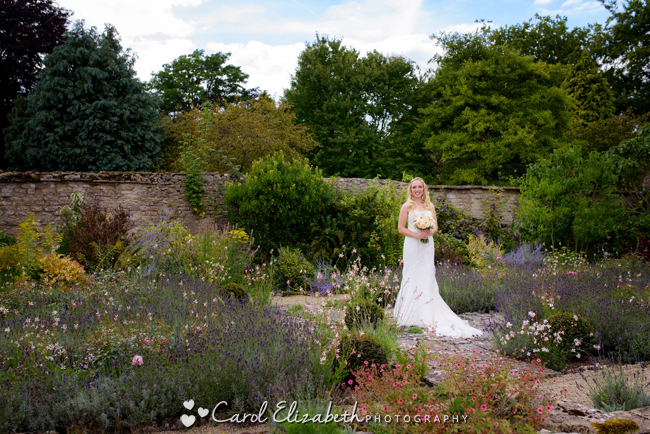 Wedding photographers for Caswell House in Oxfordshire: Carol Elizabeth Photography (20)